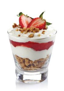 starawb-pomegr-quinoa-breakfast-cup